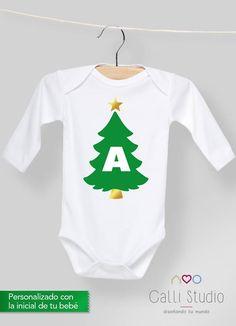 La primera navidad será un lindo recuerdo por siempre disfrútala con un pañalero navideño personalizado Calli #christmas #onesie #pañalero #navidad
