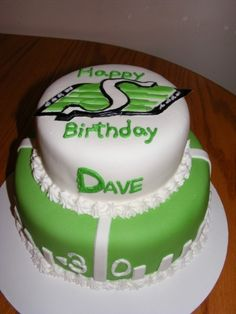 Saskatchewan Roughriders Saskatchewan Roughriders cake made for a birthday. All fondant, hand made fondant logo on top. Fondant Cakes, Cupcake Cakes, Cupcake Ideas, Cupcakes, My Birthday Cake, 30th Birthday, Decorating Tips, Cake Decorating, Saskatchewan Roughriders