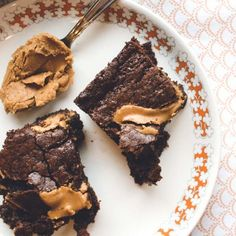 Decadent Chocolate Brownies with Cookie Dip (in Finnish)