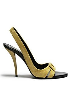 Roger Vivier  |   pretty.  sometimes i wish i could go shopping.  the way girls usually like to shop.