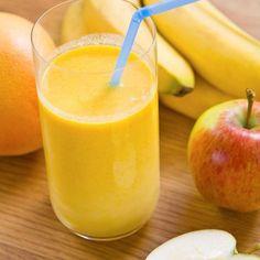Apple-banana smoothie with yogurt - Ingredients of the recipe: 1 banana, 1 apple . - Apple-banana smoothie with yogurt – Recipe ingredients: 1 banana, 1 apple, 1 yogurt app - Banana Yogurt Smoothie, Smoothie Fruit, Raspberry Smoothie, Healthy Smoothies, Healthy Drinks, Smoothie Recipes, Healthy Juices, Healthy Recipes, Smothie Bowl