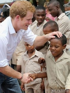 Prince Harry visits the St. Bernadette's Center for the Blind, which is supported through his charity Sentebale. Harry founded the charity with Prince Seesio of Lesotho. Prince Harry Photos, Prince William And Harry, Prince Henry, Prince Harry And Meghan, My Prince, Princesa Diana, Children In Africa, Princess Diana Pictures, Prinz Harry