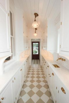 Galley Butlers Pantry with White and Beige Harlequin Tile Floor - Cottage - Kitchen Pantry Design, Kitchen Design, Style Pantry, Damier, Butler Pantry, Kitchen Butlers Pantry, Kitchen Flooring, Kitchen Tiles, Gold Kitchen