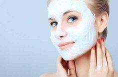 YÜZ BEYAZLATICI MASKELER Cildinizde oluşan sivilce izleri, lekeler yada yaz aylarında bronzlaşan cildinizi beyazlatmak, cilt rengini dengelemek isteyen bayanlar kolaylıkla uygulayabileceğiniz doğal yüz beyazlatan maske tariflerini yazımızın devamında bulabilirsiniz. Cilt Beyazlatıcı Yoğurt Maskesi Malzemeler: 2 kaşık yoğurt 5 damla limon 1 tatlı kaşığı şeftali suyu Malzemeleri cam bir kasede iyice karıştırıp göz çevreniz haricinde cildinize …