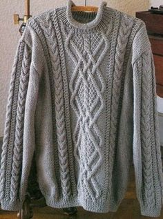Free Knitting Patterns: Pullover for man. Think about center panel on pillows – Knitting patterns, knitting designs, knitting for beginners. Aran Knitting Patterns, Jumper Patterns, Knitting Designs, Knit Patterns, Free Knitting, Finger Knitting, Pulls, Knit Crochet, Men Sweater