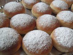 Z mojej kuchyne - Šišky pečené v rúre plenené marhuľovým lekvárom a nutelou - Album používateľky laja77 - Foto 6 Hamburger, Food And Drink, Bread, Hampers, Brot, Baking, Burgers, Breads, Buns
