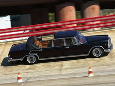 Mercedes-Benz 600 Laundaulet (W100)