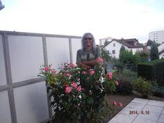 https://www.facebook.com/Cristi.Minculescu.Oficial/photos/pcb.326082040888840/326081270888917/?type=1