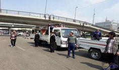 حملة لإزالة الإشغالات وتحقيق الانضباط المروري في…: واصلت قوات الأمن في القاهرة تنفيذ حملاتها المرورية في المحاور الرئيسية بالتزامن مع…