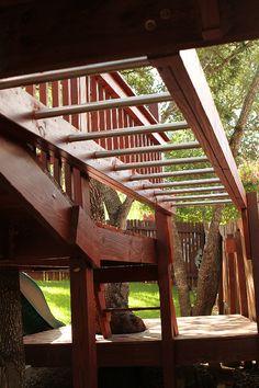 Kids' Tree Fort - Monkey Bars