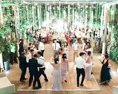 A gorgeous destination wedding in Maui, Hawaii enveloped in fuchsia, blush, and lavender colors. On Your Wedding Day, Wedding Blog, Maui Rentals, Hawaiian Gardens, Hawaii Flowers, Maui Hawaii, Island Weddings, Dance The Night Away, Videography