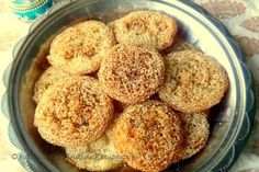 Anarsa Anarsa is an authentic Maharashtrian sweet dish . It is a pastry-like snack and is made from soaked powdered Rice, Jaggery/. Homemade Cereal, Homemade Cookies, Yummy Cookies, Indian Snacks, Indian Food Recipes, Vegetarian Recipes, Snack Recipes, Punjabi Food, Bengali Food