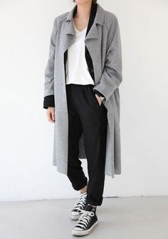 Fall trends | Grey coat, white top, black trousers and Converse sneakers
