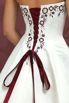 Red wedding dress. Brides think of having the most appropriate wedding ceremony, however for this they require the ideal wedding dress, with the bridesmaid's dresses complimenting the wedding brides dress. Here are a few tips on wedding dresses.