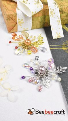 Bee Crafts, Fun Diy Crafts, Wire Wrapping Tutorial, Austrian Crystal, Jewelry Making Supplies, Glass Beads, Wraps, Gift Wrapping, Crystals