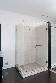 Corner Shower Door Eclipse Glass-Port Moody Showroom