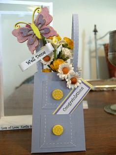 Handbag by Maxine Simpson, using a card making template from Card Carousel. Card Making Templates, Display Boxes, Carousel, Cardmaking, Gift Wrapping, Gallery, Cards, Gift Wrapping Paper, Making Cards