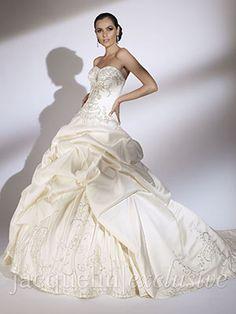 12 best Pick Up Style Wedding Dresses images on Pinterest | Wedding ...