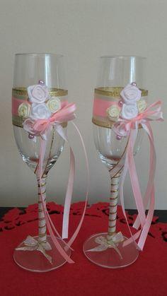 Wedding champagne glasses Wedding Champagne, Champagne Glasses, Wine Glass, Tableware, Dinnerware, Sparkling Wine Glasses, Tablewares, Dishes, Place Settings