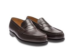 Men dress shoes Black Round-toe loafers with flame-marked fine stitch seam.Weston french savoir-faire for your Loafer 180 - Crafted in our manufacture's workshops in France Black Shoes, Men's Shoes, Shoe Boots, Dress Shoes, Penny Loafers, Loafers Men, Jm Weston, Mode Masculine, Bleu Marine