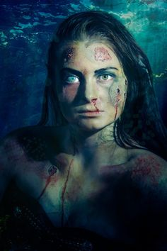 DIY scary mermaid makeup tutorial. Great for anyone not looking to do a Disney type of mermaid ;)