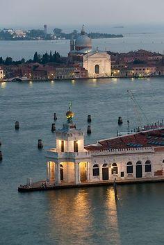 Punta della Dogana - Venice, Italy ©Thomas Mayer