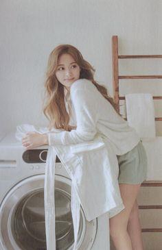 Kpop Girl Groups, Korean Girl Groups, Kpop Girls, Pretty Asian, Beautiful Asian Girls, Nayeon, April Kpop, Korean Beauty Girls, Chuu Loona