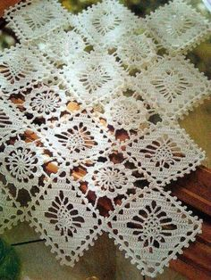 Home Decor Crochet Patterns Part 111 - Beautiful Crochet Patterns and Knitting Patterns Crochet Dollies, Crochet Doily Patterns, Crochet Chart, Crochet Squares, Thread Crochet, Crochet Motif, Crochet Designs, Knitting Patterns, Crochet Table Runner