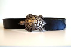 Vintage leather belt with Turtle buckle. Made in by vintagdesign