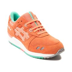 Lace up your retro running style with the classic Gel Lyte III from Asics! The Gel Lyte III sports vibrant suede uppers with lace-up closure, padded tongue and collar for premium comfort and suport, Solyte Midsole to maximize performance while minimizing weight, and flexible rubber outsole for durability and traction. Available for shipment in April; Pre-order yours today!