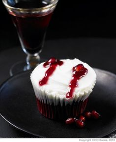 Mwahaha, brilliant! Make a Dracula's Bite #Cupcake with pomegranate seeds.