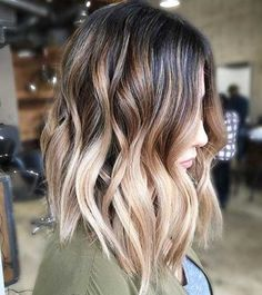 35 Balayage Hair Color Ideas for Brunettes in The French hair coloring technique: Balayage. These 35 balayage hair color ideas for brunettes in 2019 allow to achieve a more natural and modern eff., Balayage Source by shortpixiecut Creamy Blonde, Brown Blonde Hair, Blonde Streaks, Dark Brown To Blonde Balayage, Blonde Ombre Short Hair, Medium Length Ombre Hair, Short Hair Waves, Shoulder Length Balayage, Blonde Color
