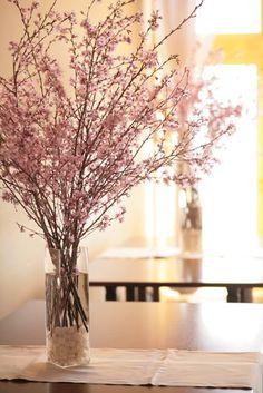 桜の装花 Flower Arrangements Simple, Silk Floral Arrangements, Fake Flowers, Artificial Flowers, Bridal Boutique Interior, Cherry Blossom Party, Rama Seca, Asian Inspired Wedding, Wedding Notes