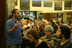 """Lançamento de """"Café Paraíso"""", de António Pedro Ribeiro, no café Piolho, Novembro 2011.    Fotografia de Ana Almeida Santos."""