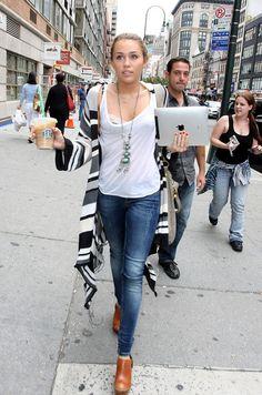 Miley cyrus #coffee #ipad
