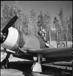 Finnish Forces - Starting a mission with the Fiat Aircraft Propeller, Ww2 Aircraft, Military Aircraft, Finnish Air Force, Old Warrior, Night Shadow, Luftwaffe, World War Two, Fiat