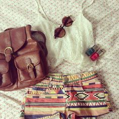 Tribal shorts, flowy lace crop top, and a neutral leather bag. Outfits For Teens, Casual Outfits, Cute Outfits, Spring Summer Fashion, Spring Outfits, Summer Fall, Holiday Outfits, Casual Summer, Summer Beach