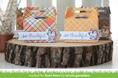 scalloped treat box