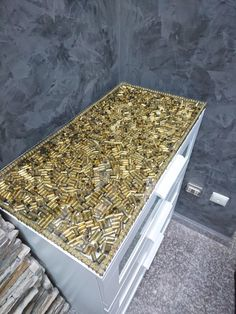Furniture bullet design Bullet - bullet recycle ideas - Welcome Haar Design Ammo Crafts, Bullet Crafts, Man Cave Room, Man Cave Home Bar, Handmade Furniture, Diy Furniture, Design Furniture, Wooden Shelf Unit, Bullet Designs