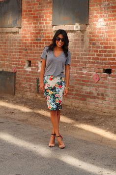 If only my big bootie could accommodate a good pencil skirt {sigh}.... Life, Love and the Pursuit of Shoes: Floral Skirt & Co.