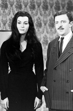 They're creepy and they're kooky: Audition photos for 'The Addams Family,' 1964 | Dangerous Minds The Addams Family 1964, Addams Family Tv Show, Gomez And Morticia, Morticia Addams, Ted Cassidy, Frankie Jonas, Bebe Neuwirth, John Astin, Kelsey Grammer