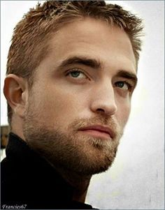 This is absolutely on of my favorite picture of Rob!!!!