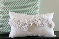 DIY Snow Ruffle Pillow Tutorial, from V and Co. -- lots of tutorials on this site ~~~ Cute Pillows, Diy Pillows, Decorative Pillows, Throw Pillows, Cushions, Ruffle Pillow, Flower Pillow, Felt Pillow, Sewing Crafts