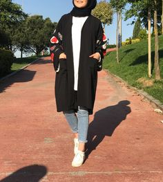 super you are so beautiful pintrest Modern Hijab Fashion, Street Hijab Fashion, Hijab Fashion Inspiration, Muslim Fashion, Fashion Outfits, Casual Hijab Outfit, Hijab Dress, Hijab Style, Hijab Chic
