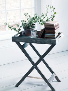 spring living room ideas, wooden tray table