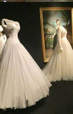 balenciaga_thyssen_rozas_village_4 Balenciaga, Dresses, Fashion, Victorian Dresses, Dressmaker, White Colors, Bridal Gowns, Boyfriends, Vestidos