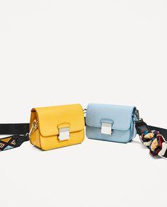 2017 Summer Mini Women Messenger Bag PU Leather Small Flap Bag Shoulder Crossbody Bag Girls Clutches Purses with 2 starps Mini Handbags, Tote Handbags, Leather Handbags, Crossbody Bags, Zara, Sacs Design, Purse Strap, Leather Bags Handmade, Girls Bags