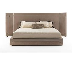 vittoria frigerio - Google Search Staging Furniture, Art Furniture, Luxury Furniture, Bedroom Furniture, Furniture Design, Closet Bedroom, Master Bedroom, Bed Design, Guest Room