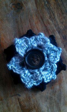 Double flower crocheted hair clip