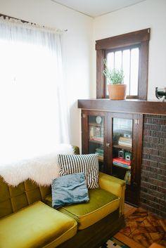 Chartreusse velvet couch...yum.